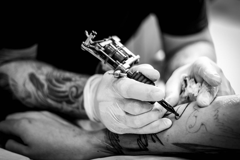 Ile kosztują tatuaże - napisy